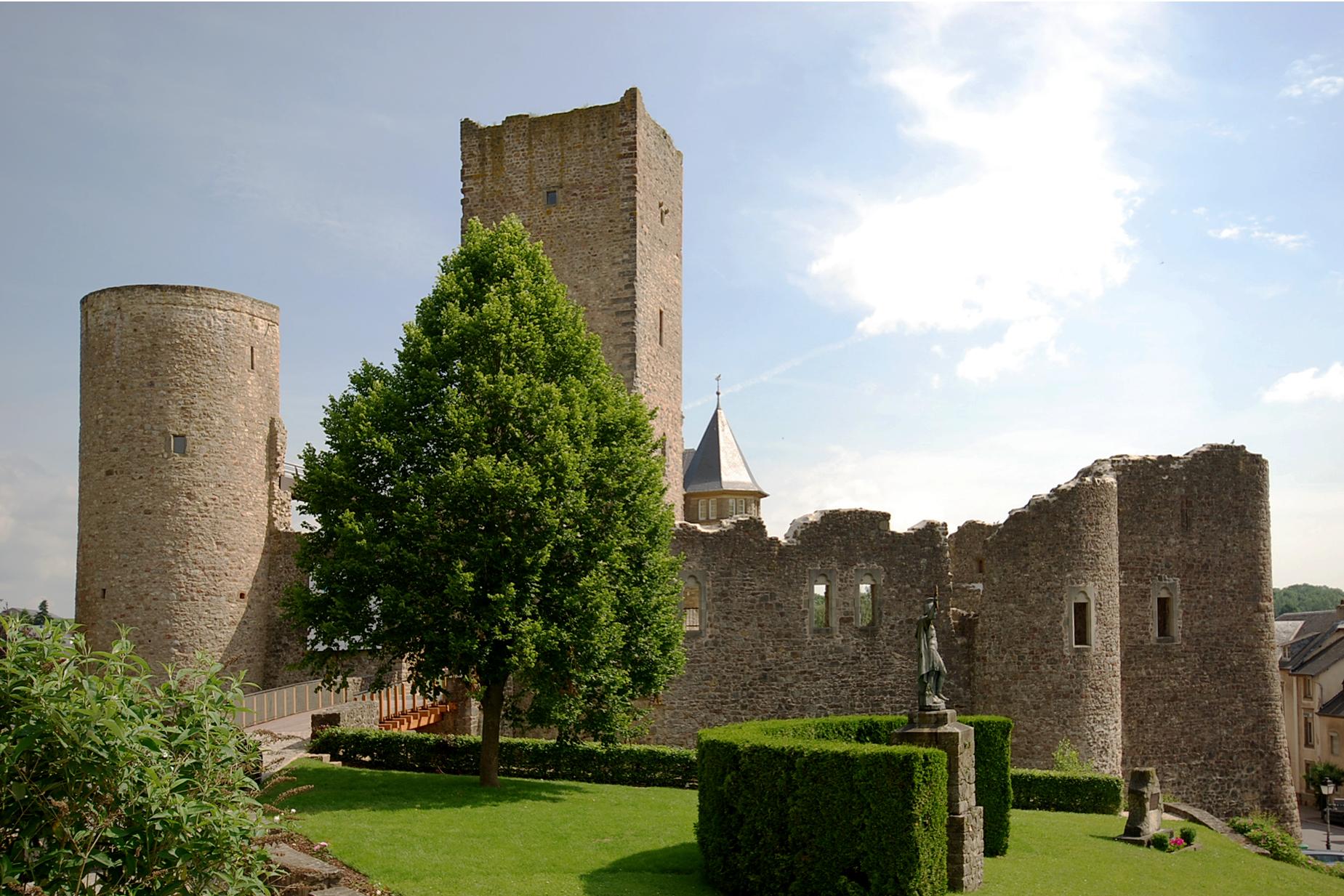 Restauration et réaffectation du château d'Useldange