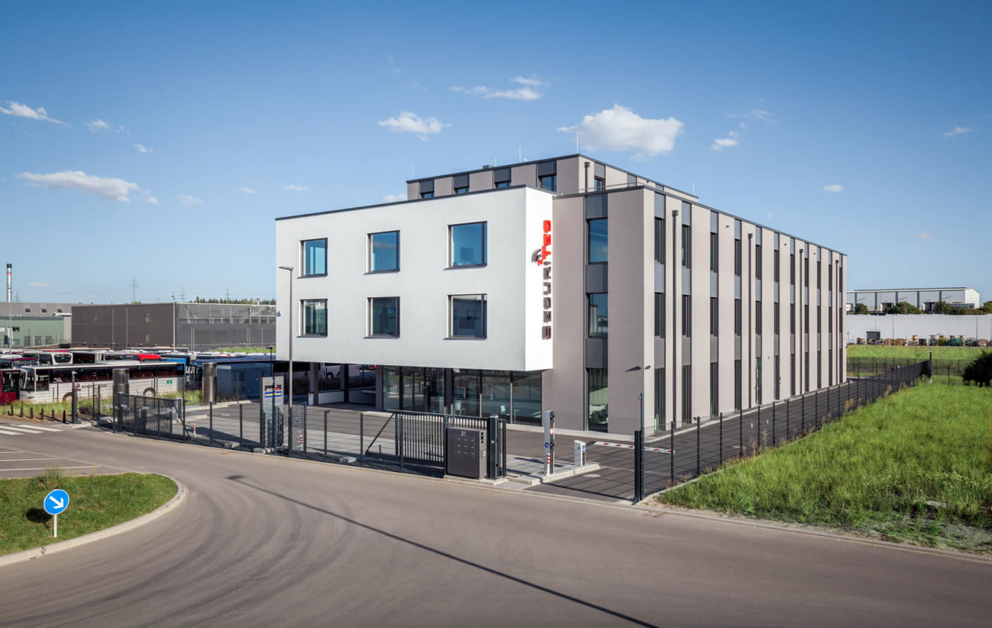 Bâtiment administratif et commercial à Bissen (L)